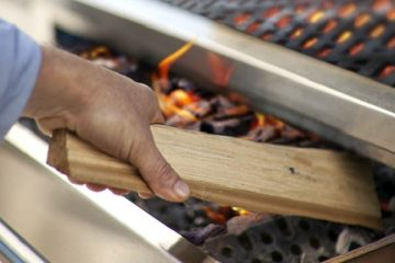 Barbecue and Grilling with Wood
