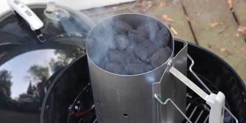 how-to-Use-a-Charcoal-Chimney-Starter