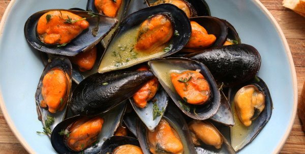 serving mussels